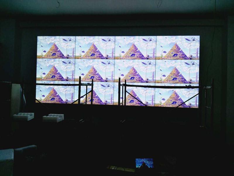 四川安岳县就业局液晶拼接屏项目