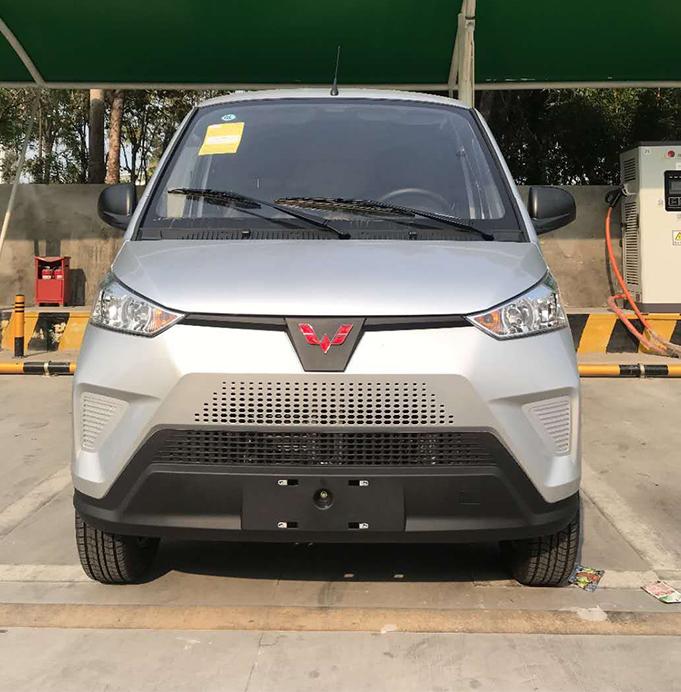 五菱电动面包车