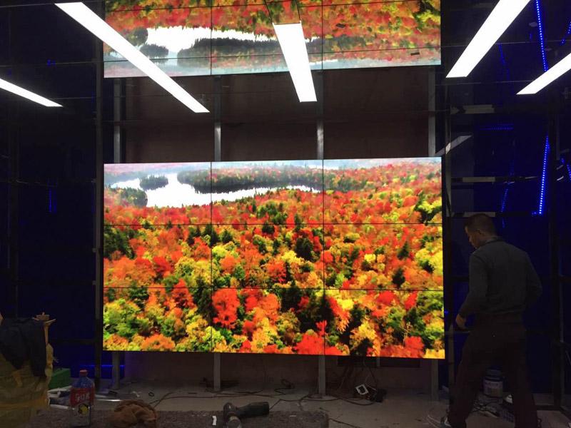 成都高新区46寸液晶拼接屏完工