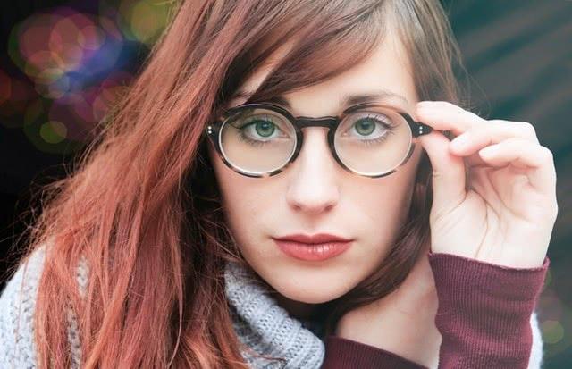 你还在觉得眼镜店是暴利行业吗?一篇文章带你明白