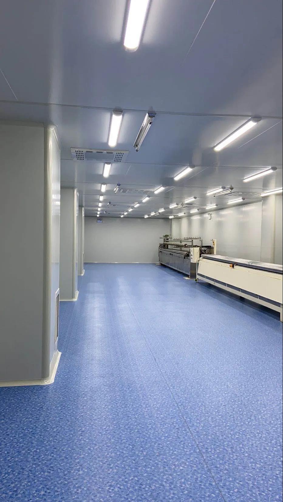 公司提升员工专业技能参加洁净室运行培训