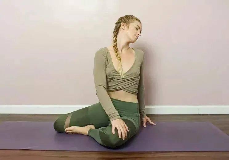 颈椎不好、脖子疼?你需要这组瑜伽理疗序列来修炼天鹅颈