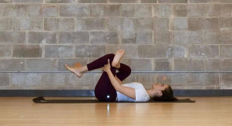 10个深度放松臀腿的动作,通经络、消浮肿、还能燃脂瘦腿