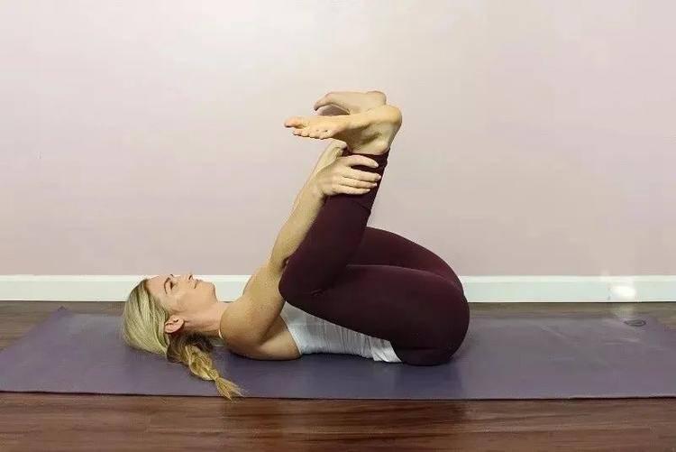 上火、脾气大?试试这套促进肝胆排毒的阴瑜伽序列