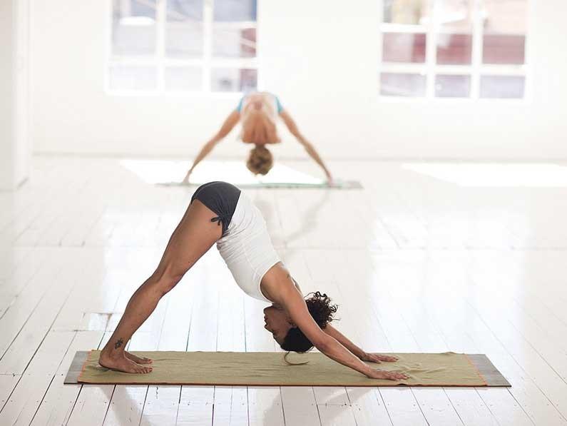 臀型不好,穿衣难看?常练这套激活臀肌的瑜伽动作试试!