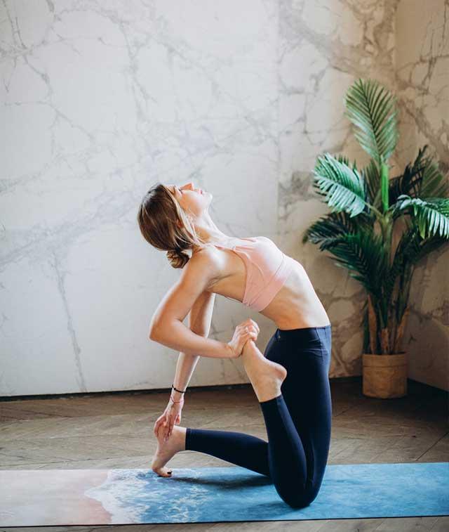 久宅不动,身体难受?3个动作释放身心,激活身体能量