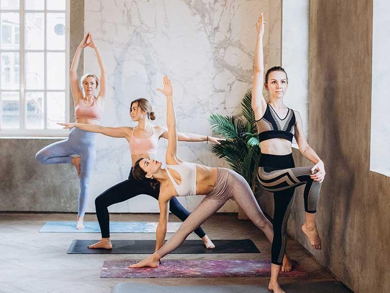 孕产瑜伽产后练瑜伽能更容易恢复