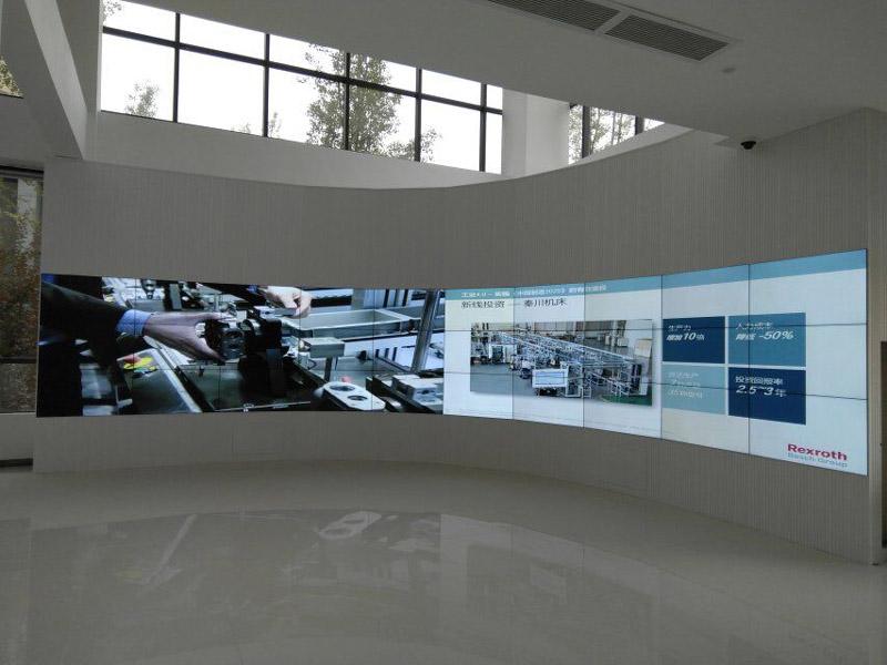 成都展览中心46寸液晶拼接屏弧形拼接屏完成