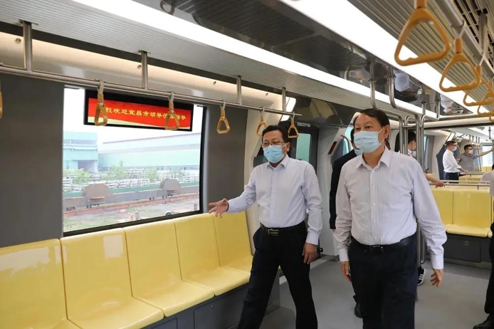 """【大干100天】发力新基建,中国中铁首个跨座式单轨""""新时代号""""跑出新精彩"""