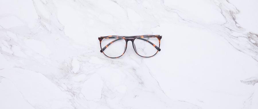 你知道戴变形、损坏的眼镜有些什么坏处吗?