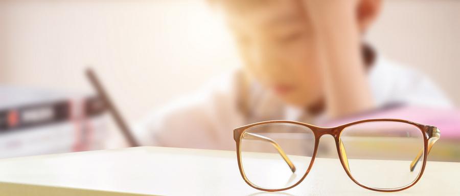 50度的散光,配眼镜要不要加上散光度数?