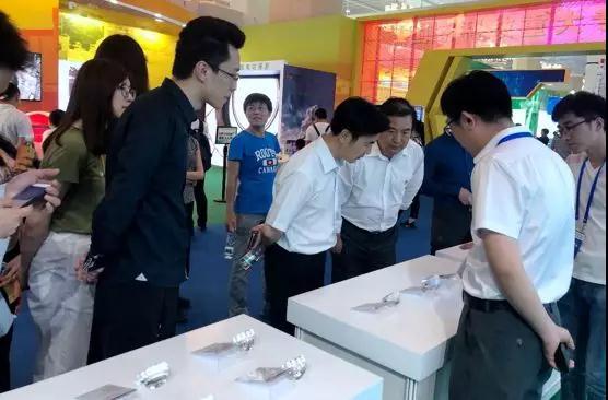 北京科技周圆满落幕 兆芯通用CPU及整机产品引关注
