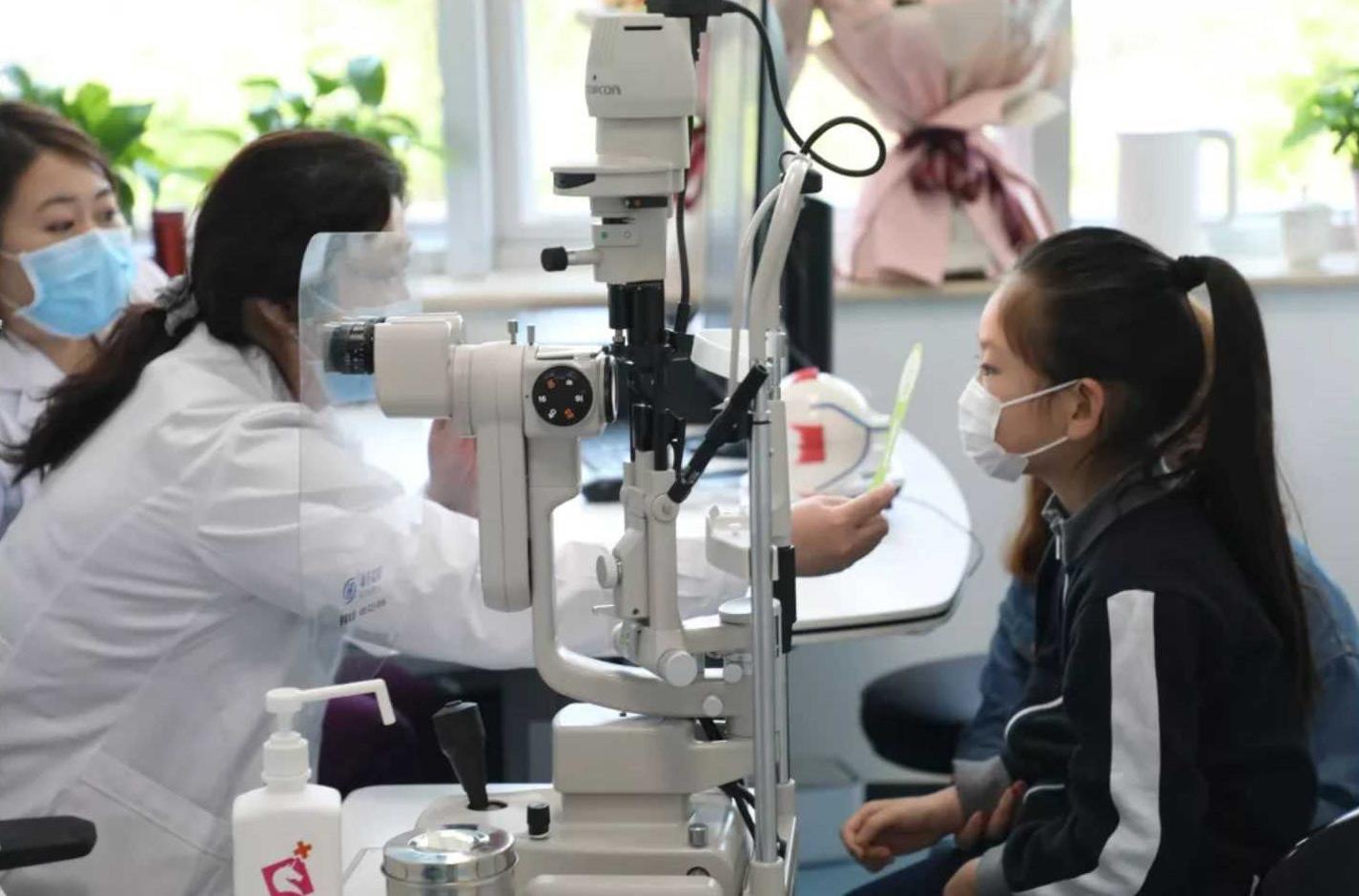 眼科专家面对面,远程会诊解难题!