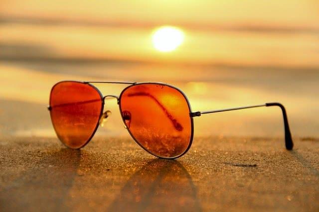 8大戴眼镜不舒服的原因及处理方式