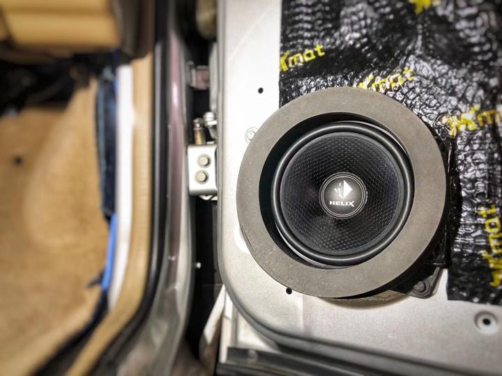 """别克GL8音响改装德国HELIX,在音乐的海洋里""""乘风破浪"""""""