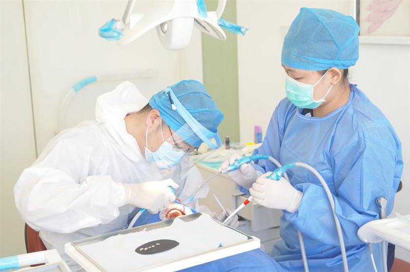 深圳牙科医院治疗牙齿敏感