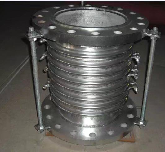 波纹补偿器上安装铠装环的作用是什么?