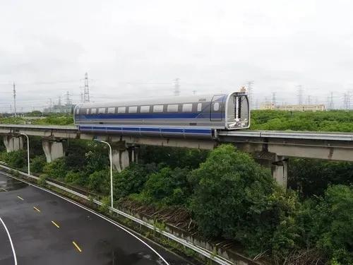 中铁工业将于年底研制完成时速600公里高速磁浮轨道钢梁、道岔系统
