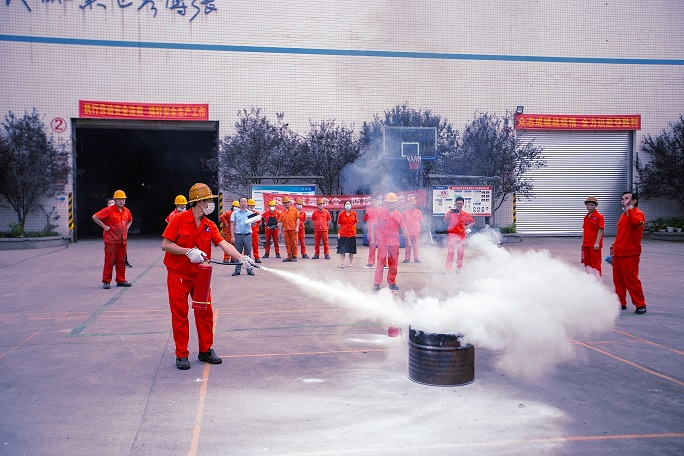 Chongqing Bozhang carries out fire drill and builds up safety defense line