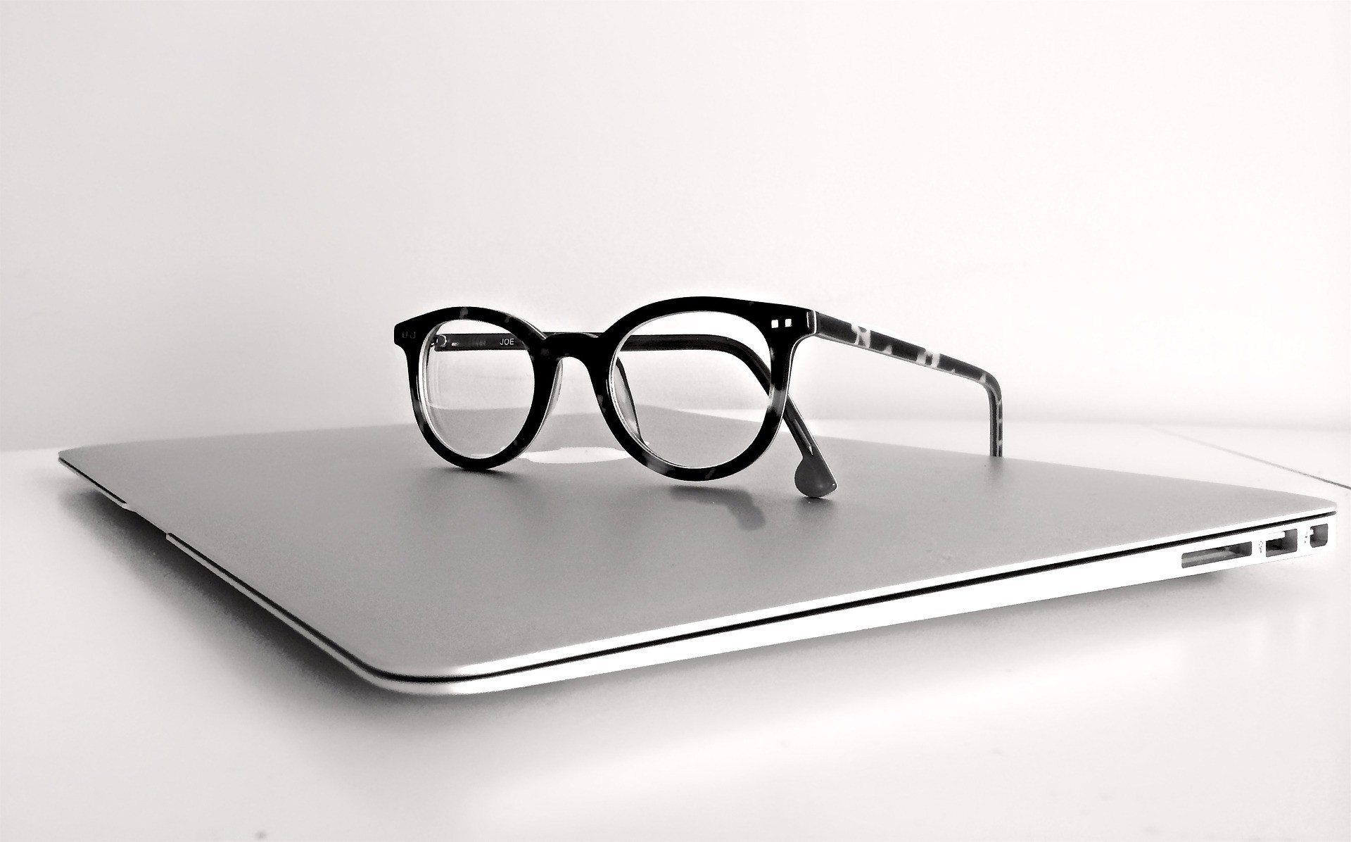 云镜台:配眼镜需要注意的事项,你真的知道吗?