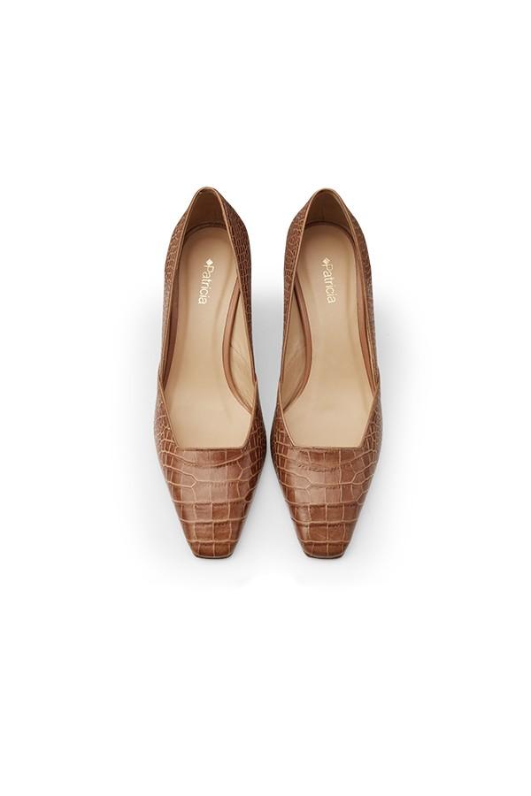 鳄鱼纹压花牛皮方头细高跟单鞋