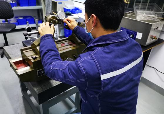 PEEK机加工零件内孔塞规过盈配合生产与检测