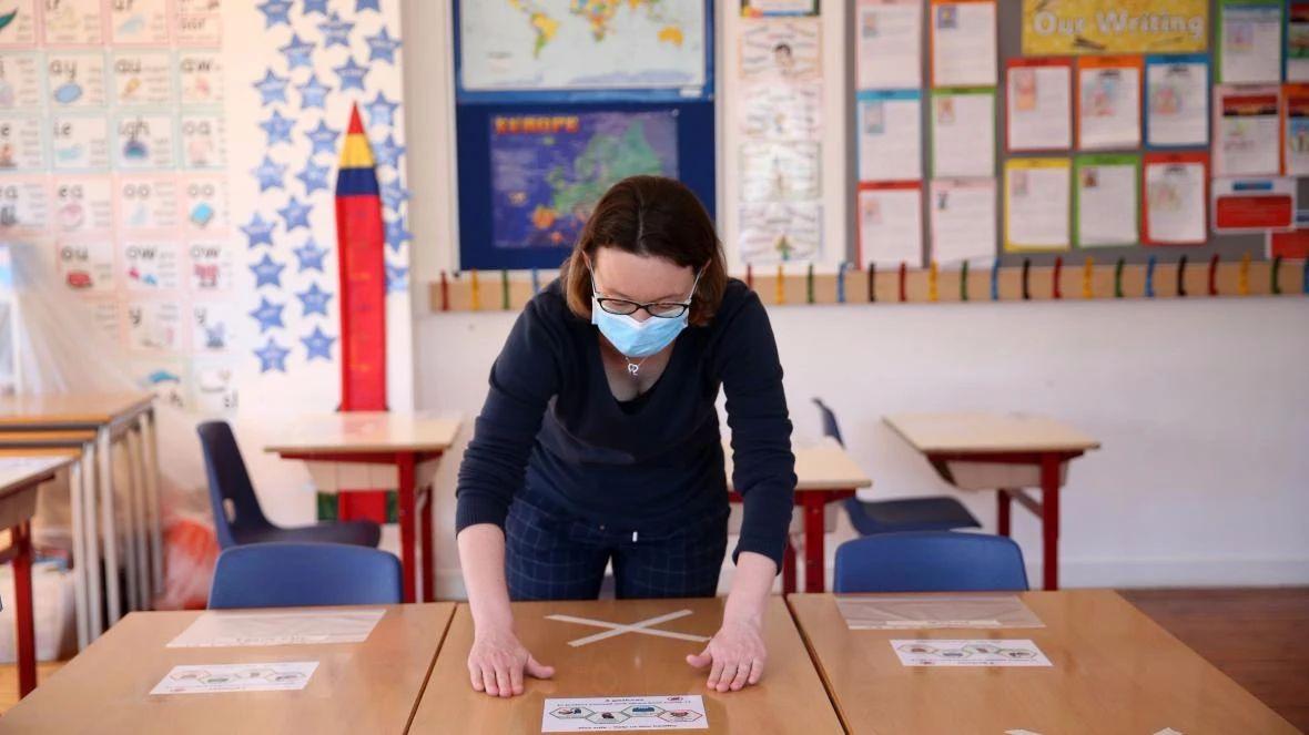 如何应对英国复学前的集体焦虑期,威尔士学校督察这样回答