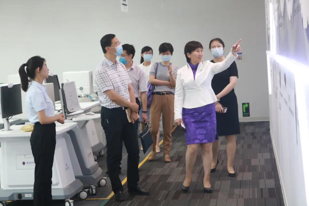 市卫健委、市科技局领导莅临慧医谷参观调研