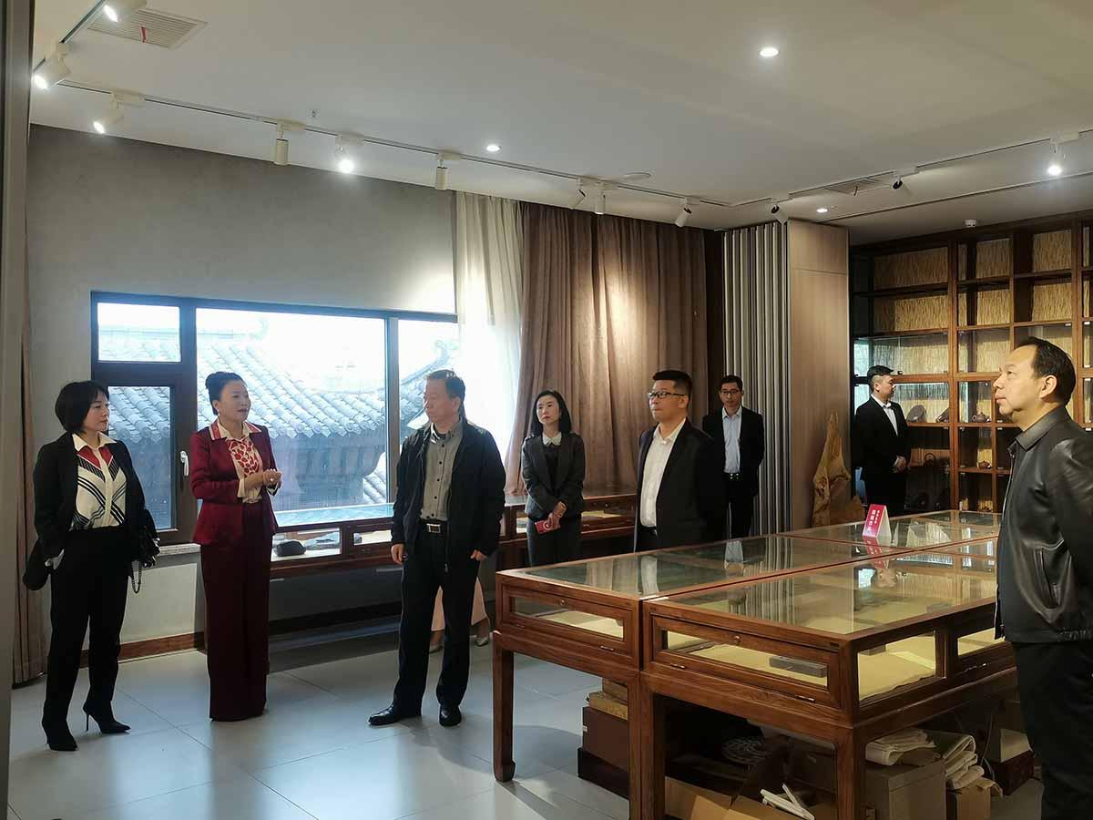 热烈欢迎省市工商联领导一行莅临合一领袖学院教学基地考察指导