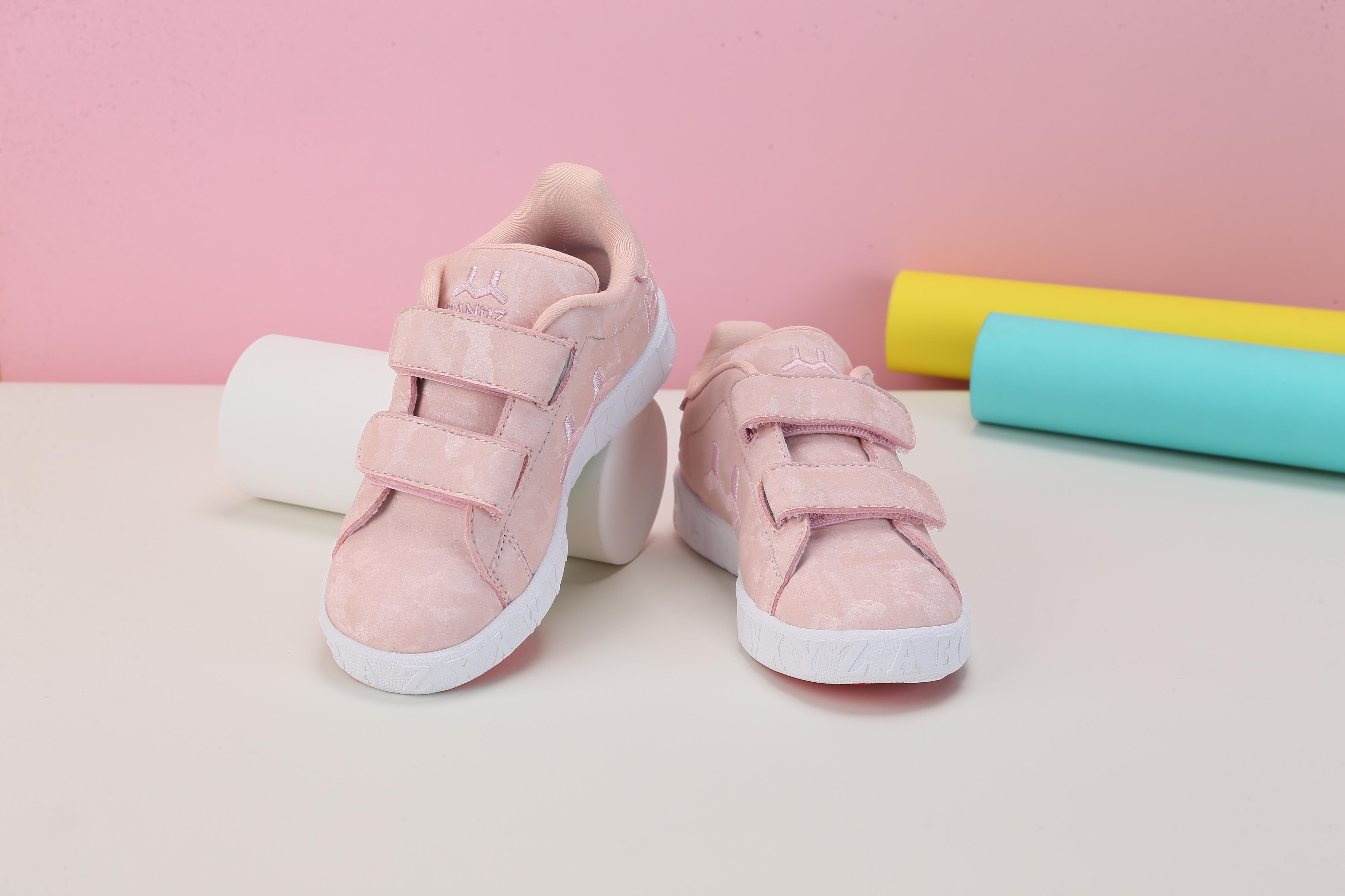 BANDZ班队长学系列英母款震撼上市,以潮酷领动童鞋风潮