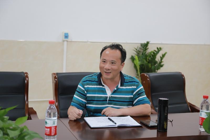 长沙理工大学马克思主义学院院长陈万球教授来我校交流指导思想政治理论课建设工作