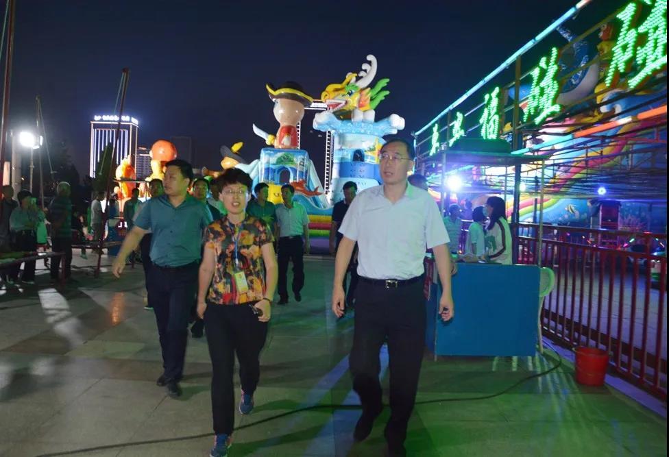 威海文登区委书记张宏璞到集团文登市场检查指导创城工作
