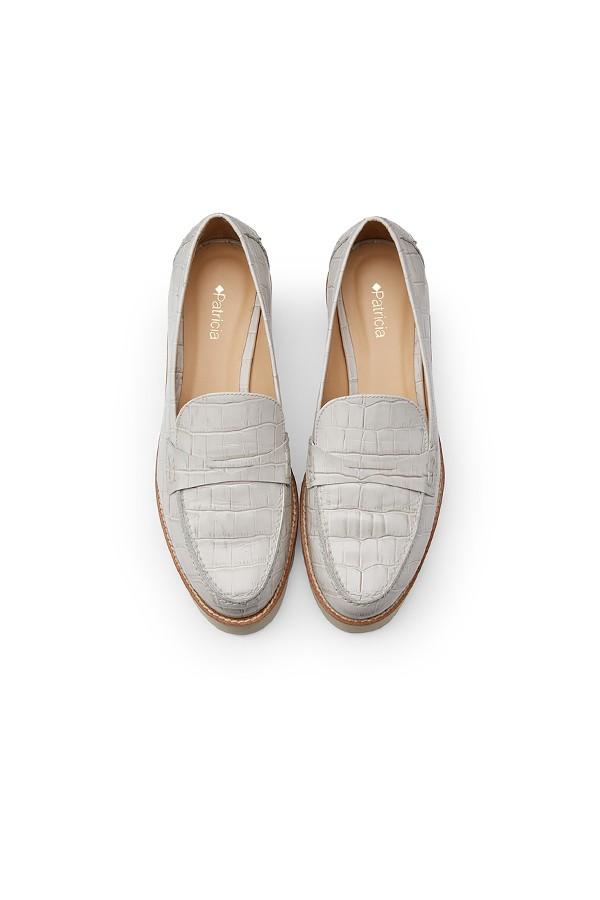 白色鳄鱼纹压花牛皮超轻运动厚底单鞋