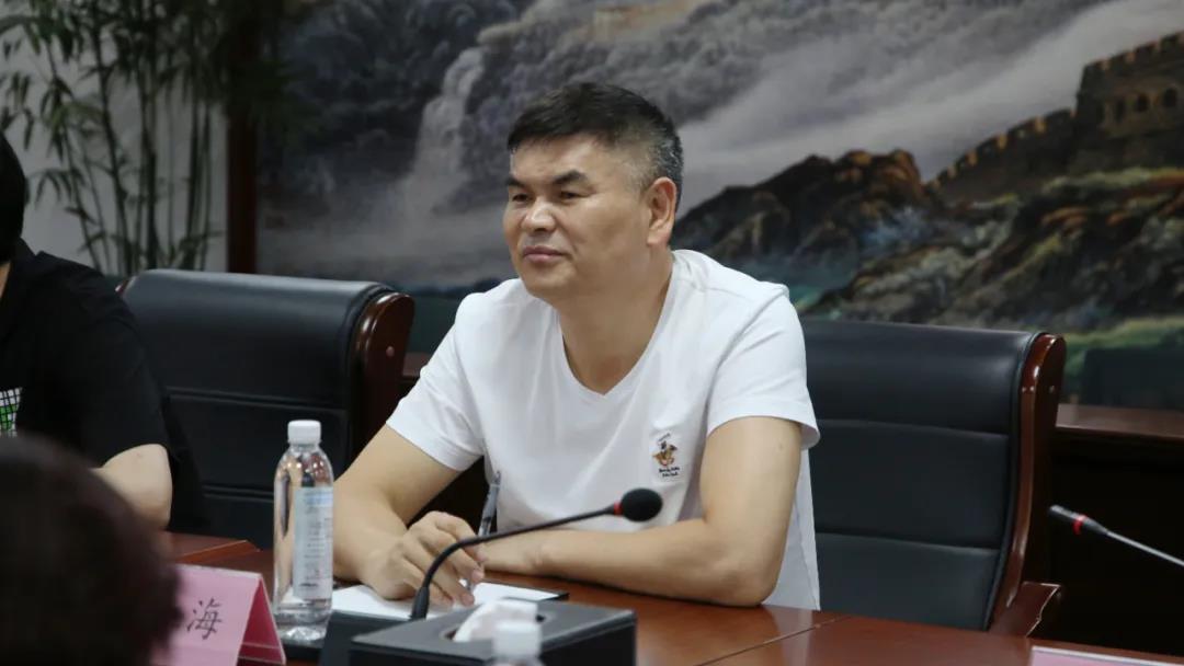 黔南州人大常委会副主任张蓉一行考察金田阳光投资集团