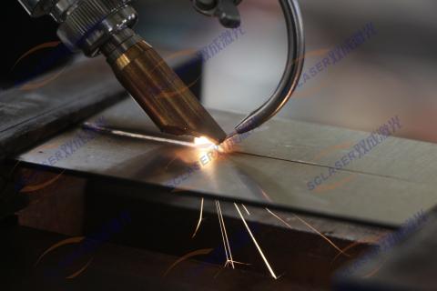 自动填丝激光焊接机