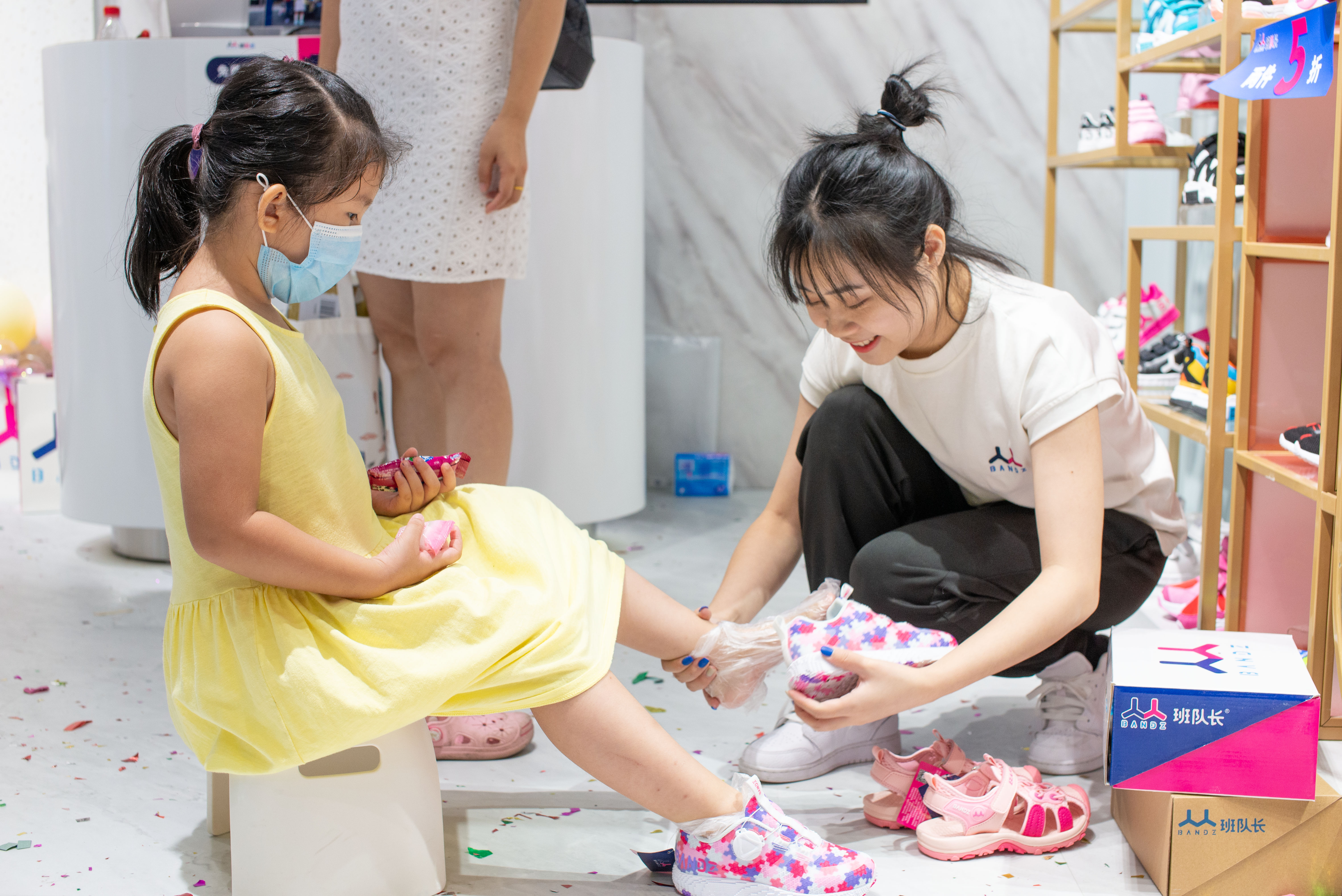 潮牌童鞋班队长BANDZ东莞国贸中心博士店盛大开业