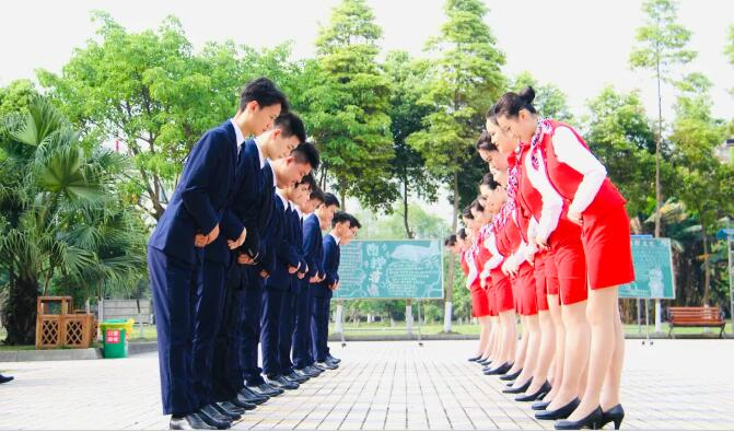 弘毅致远 博文约礼—— 四川省弘博中等专业学校