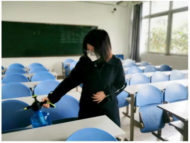 在弘博|我们开学快了(乐)