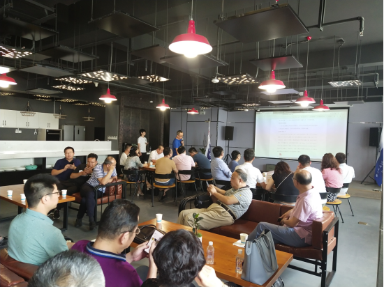 40所知名大学的在陕校友会代表走进西安丝路石墨烯创新中心