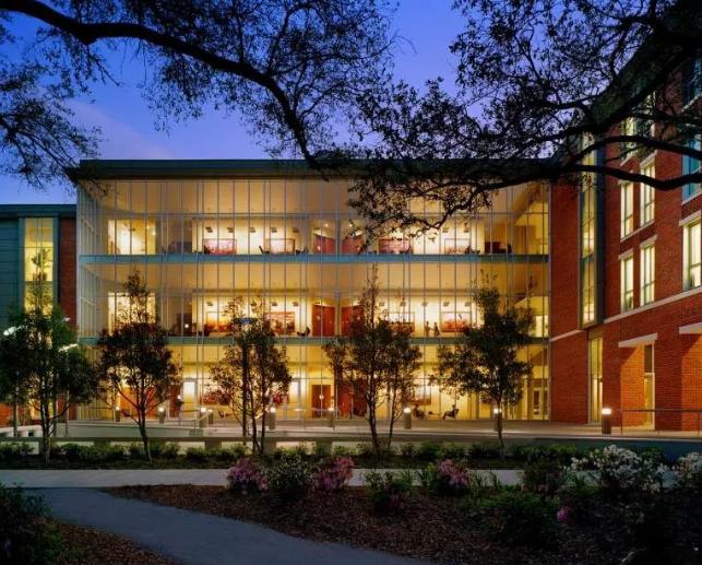 """又是一所""""南方哈佛"""",综合排名第40,商法医极强,而且还是《绿皮书》的取景地!"""