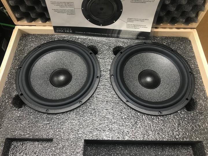 雷克萨斯CT200音响升级德国BRAX & HELIX | 让音乐带你仗剑走天涯!