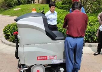 河南郑州锂电池驾驶式万博客户端怎么下载交付成功