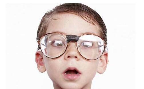 """近视疗法多,到底哪个才比较""""靠谱""""呢?"""