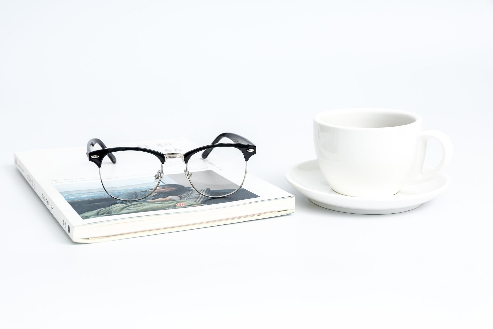 如何才能更好的向你的顾客介绍眼镜?