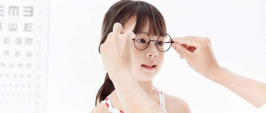 平时戴的隐形眼镜突然破裂,原因竟然是...