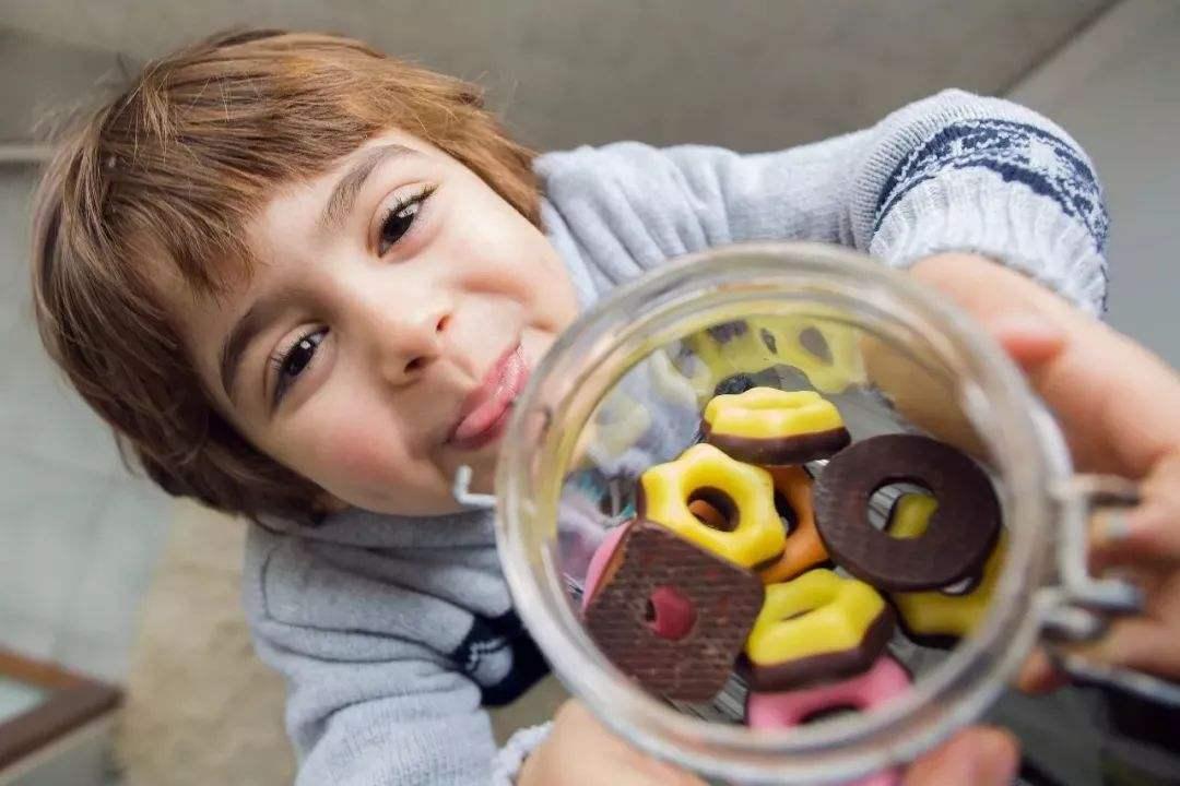 深圳牙科医院指导:如何正确的进行牙齿保健