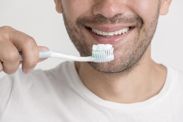 在深圳口腔医院如何处理牙结石