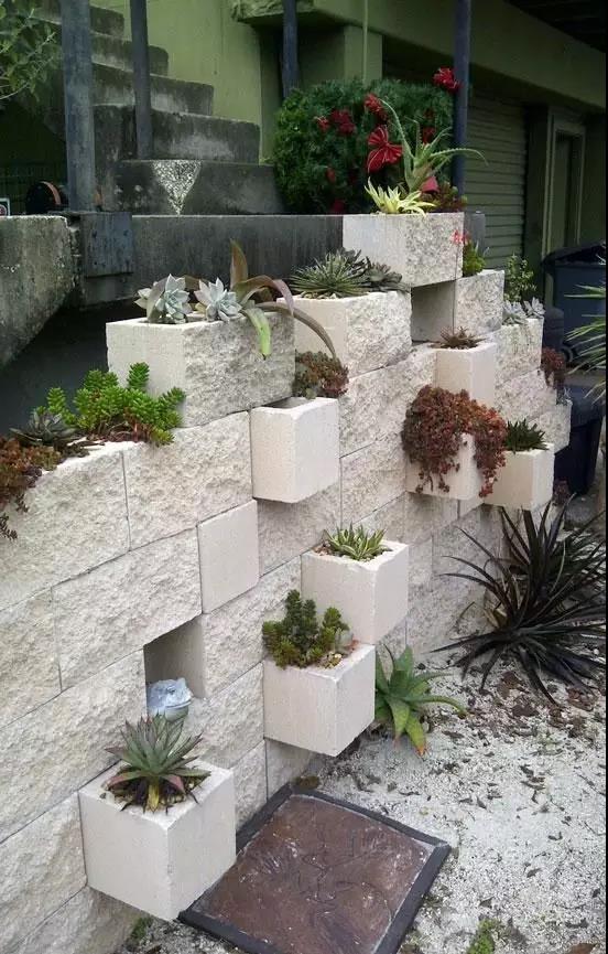 一块砖头,无所不能,如果只是拿来砌墙,就没意思了