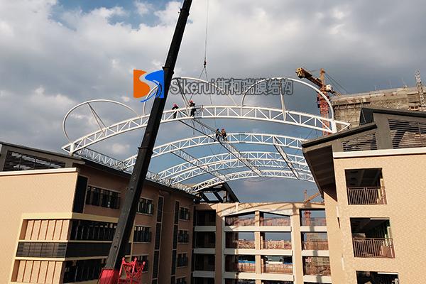 黄冈牛剑学校屋顶膜结构【钢结构吊装完成】