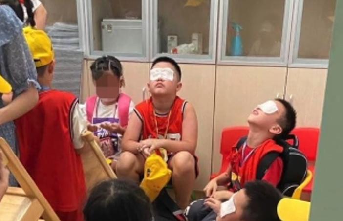 震惊!学生眼睛灼烧对眼镜行业有影响吗?